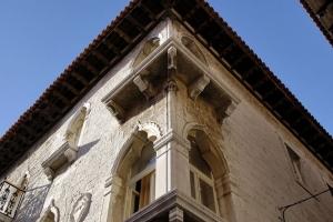 Fenster des Zuccato-Palastes i Porec