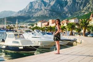 An der Uferpromenade in Makarska