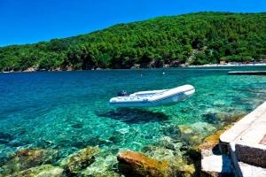 Idyllische Bucht auf der Insel Cres