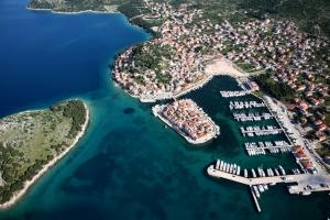 das Malerische Küstendorf Tribunj bei Vodice in Norddalmatien