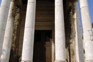 Augustustempel am Forum in Pula
