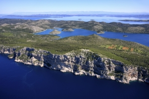 Cliffs an Mir Lake in Telascica Nature Park