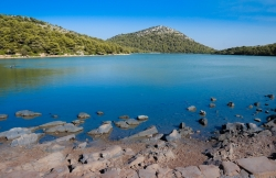 Beach Salt lake Mir