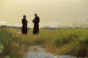 2 Pfarrer auf der Klosterinsel Kosljun