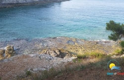 Beach Gortanova Bay