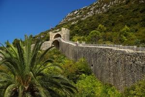 5 km lange Festungsmauer von Ston