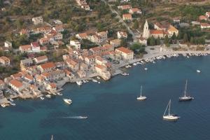 Insel Prvić