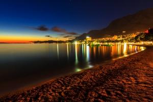 Nachtstimmung am Strand von Makarska