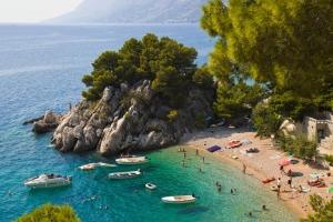 Strand Podrače in Brela bei Makarska