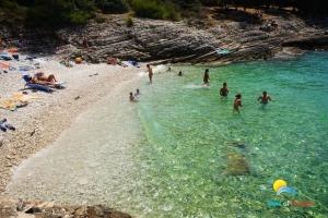 Beach Uvala Plovanje (Kap Kamenjak)