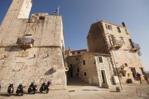 Venezianische Festung Komuna im Hafen