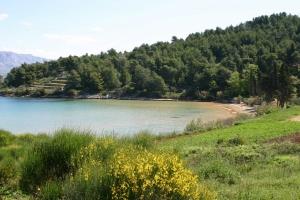 Beach Lovrečina Bay