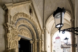 Western Cathedral entrance (potal) designed by Master Radovan in Trogir
