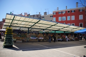 Marktplatz im Zentrum von Rovinj