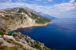 Bilderbuch-Bucht Vrulja bei Pisak, zwischen Makarska und Omis
