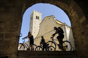 Motovun - Glockenturm und St. Stephan-Kirche