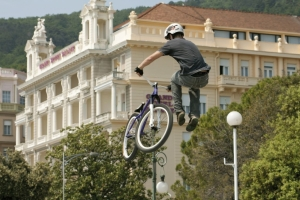 Bicycle acrobatics - Opatija