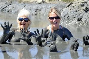 Healing mud bath in Nin