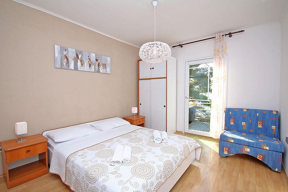 ferienhaus mmbrh 3452 1 brela. Black Bedroom Furniture Sets. Home Design Ideas